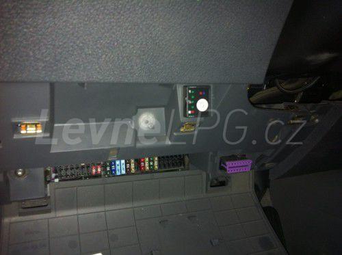 Volkswagen Caddy 1.6 LPG - Přepínač