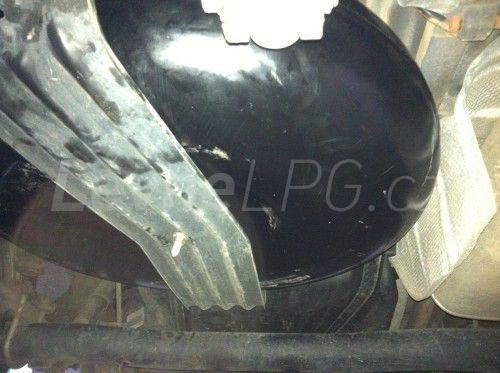 Volkswagen Caddy 1.6 LPG - Nádrž