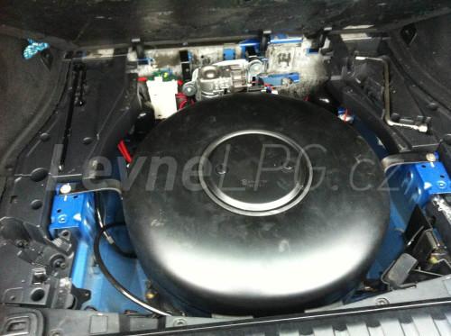 BMW X5 4,4i LPG - Nádrž