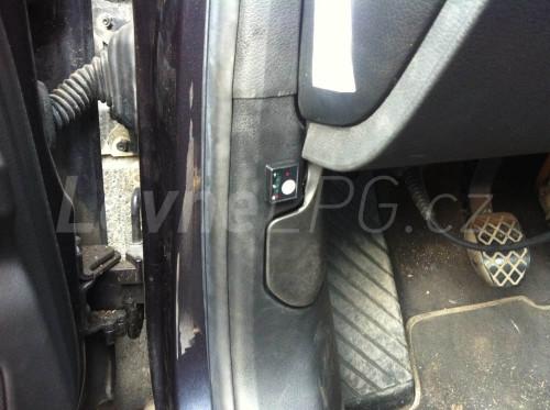 Audi A6 2.4 4F LPG přepínač