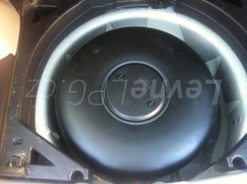 Subaru Forester 2.0 II LPG - Nádrž