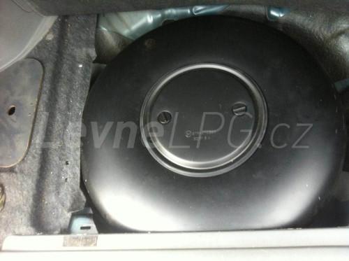 Honda CR-V 2.0 LPG - Nádrž