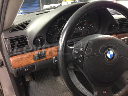 BMW e38 728i LPG přepínač