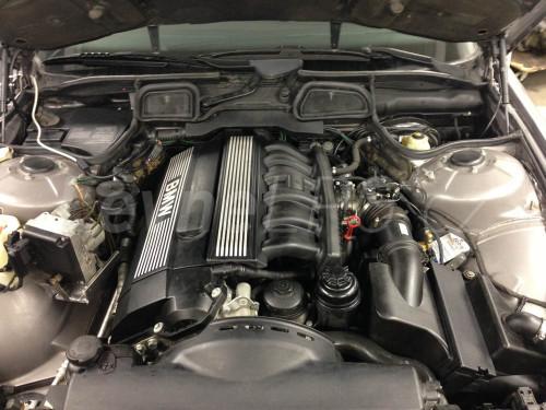 BMW e38 728i LPG motor