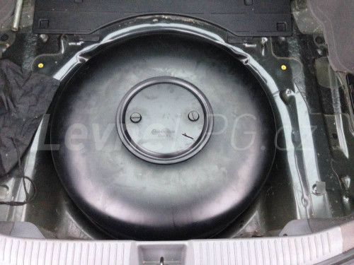 Mazda 6 2.5 LPG - Nádrž