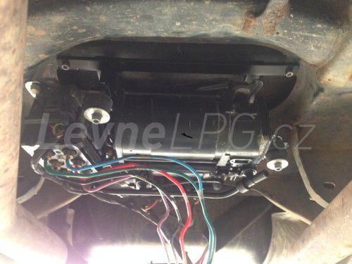 Volkswagen Phaeton 3.2 LPG - kompresor