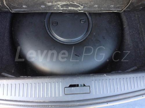 Cadillac CTS 3.2 LPG - Nádrž