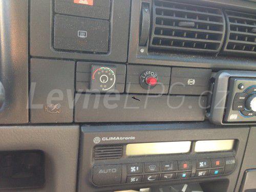 Volkswagen Caravelle 2.5 LPG - Přepínač